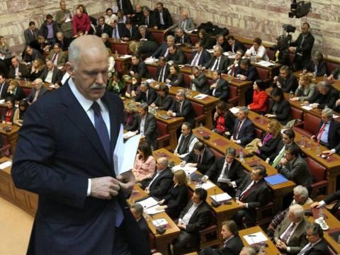«Κόκκινη λίστα» με 50 βουλευτές του ΠΑΣΟΚ που απειλούν με καταψήφιση