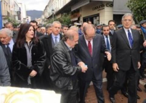 Πέντε μήνες φυλάκιση για το «αλεύρωμα» στους πολιτικούς