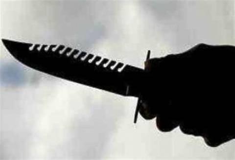 Πλιάτσικο σε καταστήματα – Έκλεψαν μαχαίρια και τόξα