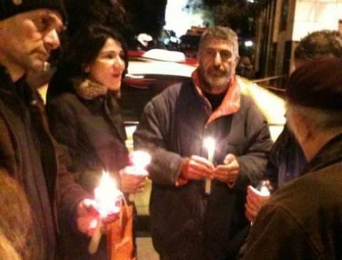 Κόσμος στο Αττικόν με κεριά! (φωτό και βίντεο)