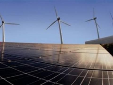 Πρωτοστατεί η Ινδία σε επενδύσεις καθαρής ενέργειας