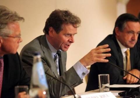 Reuters: Αδύνατη η ανάπτυξη στην Ελλάδα με τέτοιους μισθούς