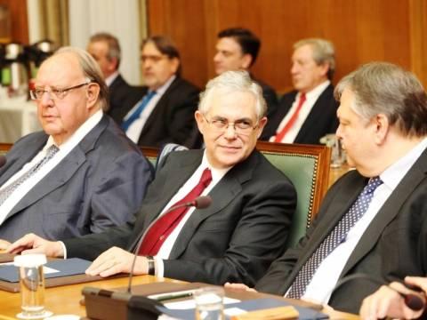 Υπουργικό για τις μειώσεις μισθών και συντάξεων