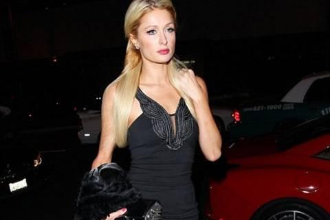Η καλσον-ζαρτιέρα της Paris Hilton!