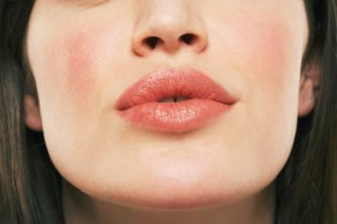Τα χείλη λεπταίνουν με τον καιρό