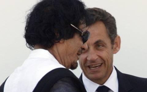 Ο Σαρκοζί διαψεύδει ότι χρηματοδοτήθηκε από τον Καντάφι
