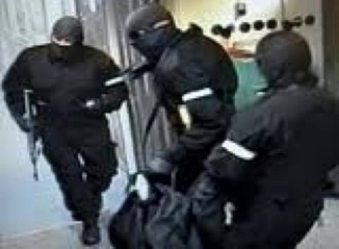 Συνελήφθησαν τρία μέλη της οργάνωσης «Ροζ Πάνθηρες»
