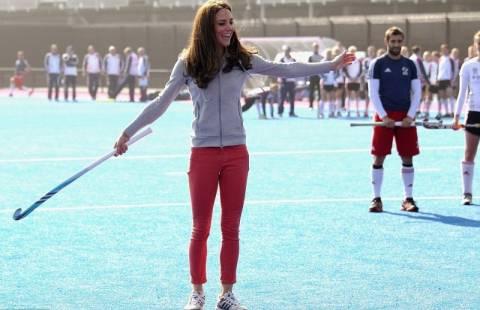 Μια πριγκίπισσα παίζει χόκεϊ