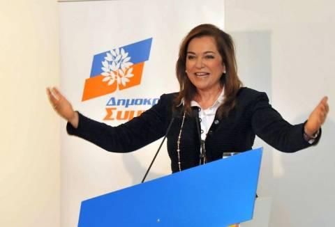 Ντ. Μπακογιάννη: Όχι σε περαιτέρω μείωση μισθών