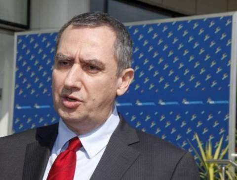 ΝΔ: Άξιος συνεχιστής της προπαγάνδας Παπανδρέου, ο Βενιζέλος