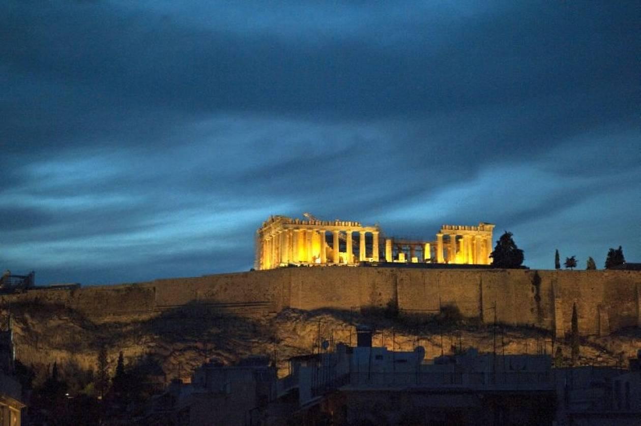 Bloomberg: Αναπόφευκτο ένα τρίτο πακέτο διάσωσης της Ελλάδας