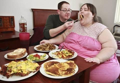 Όνειρό της είναι να γίνει 730 κιλά!