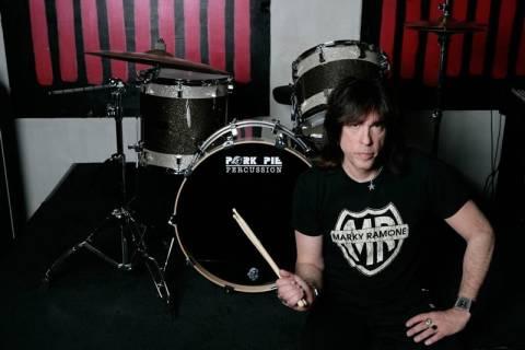 «Πολλοί έχουν την μπλούζα των Ramones χωρίς να ξέρουν ποιοι είναι»