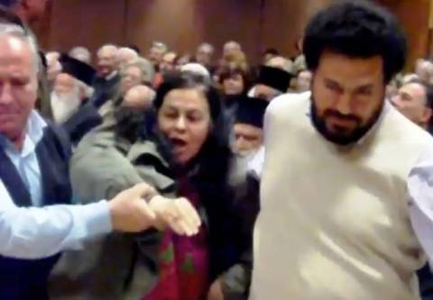 Βίντεο: Επίθεση Λουκά σε Μπαμπινιώτη!