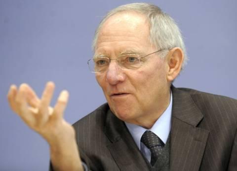 Σόιμπλε: Καταστροφή τυχόν έξοδος της Ελλάδας από το ευρώ
