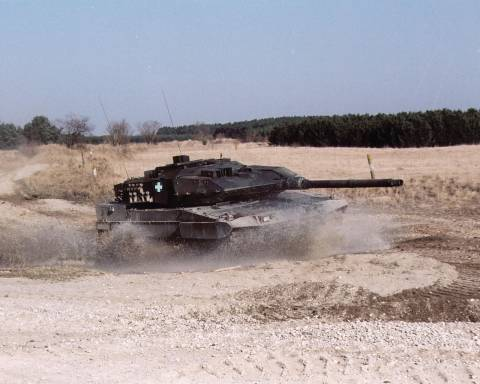 Ξανανοίγει ο φάκελος με τις μίζες των Leopard - 2