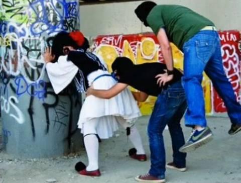 Ελληνοφρένεια-Φάρσα: Το στριπτιτζάδικο!