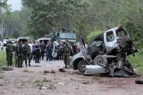Φονικές εκρήξεις βομβιστικών μηχανισμών στη Νότια Ταϋλάνδη