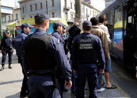 Εκατοντάδες οι συλλήψεις στη «σκούπα» της αστυνομίας στο κέντρο
