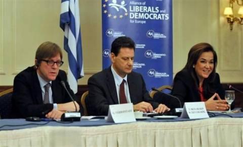 Το σχέδιο «Ελλάδα 2020» παρουσιάζουν Μπακογιάννη και Φέρχοφσταντ