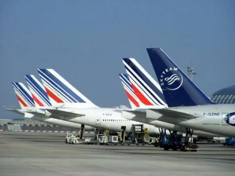 Χάος από την απεργία στο Ορλί της Γαλλίας