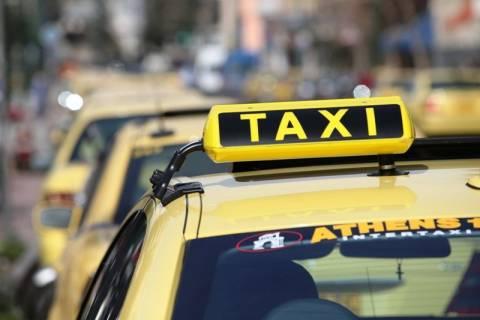 Στα χέρια των περιφερειαρχών οι άδειες ταξί