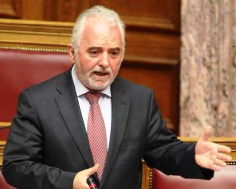 Σφοδρή κόντρα Κουτρουμάνη – Νικολόπουλου στη Βουλή