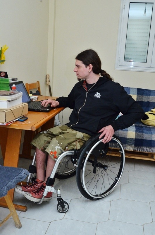 Ανάπηρος αθλητής «έφαγε πόρτα» σε τράπεζα!