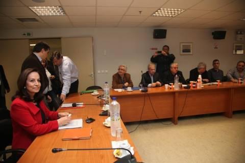 Σε εξέλιξη η κρίσιμη συνάντηση Διαμαντοπούλου-ΠΝΟ