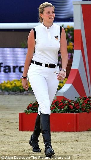 Η Αθηνά Ωνάση σε αγώνα ιππασίας στο Κατάρ