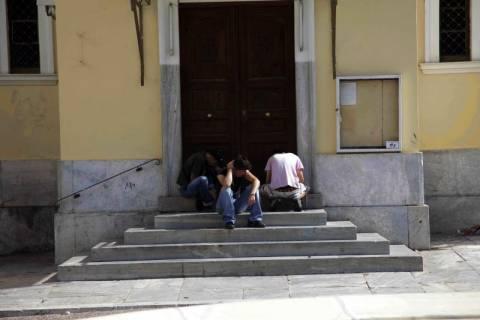 «Πώς η Αθήνα υποφέρει χαμηλόφωνα»