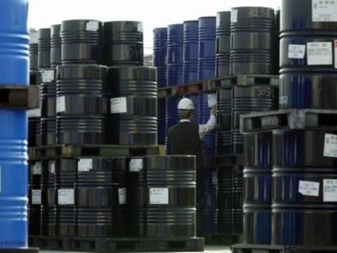 Με νέες πηγές αντικαθιστούν τα ΕΛΠΕ το ιρανικό πετρέλαιο