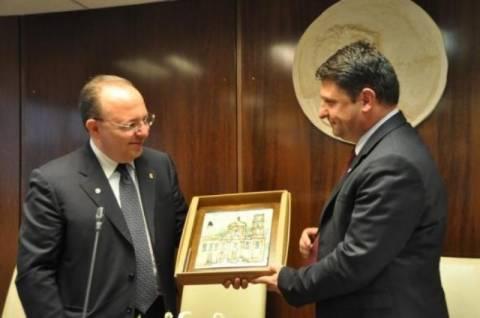 Επίτιμος δημότης Βύρωνα ο Ιταλός Δήμαρχος