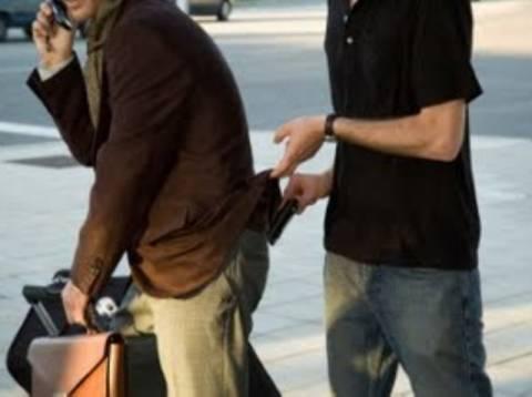 «Πιάστηκε» 24χρονος κατά συρροή… «τσαντάκιας» στην Ρόδο