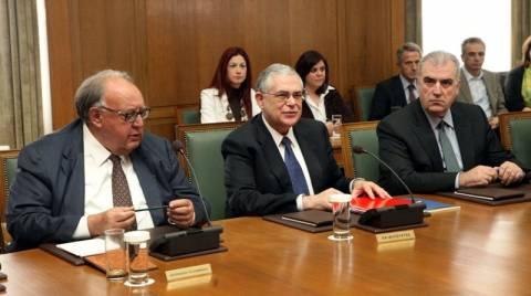 Παπαδήμος στο υπουργικό: Στις 6 Μαΐου οι εκλογές