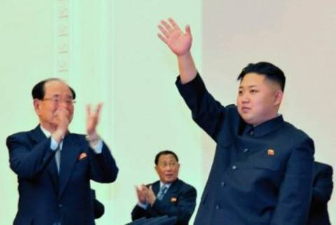 Β. Κορέα: Ηγέτης και με τη «βούλα» ο Κιμ Γιονγκ-Ουν