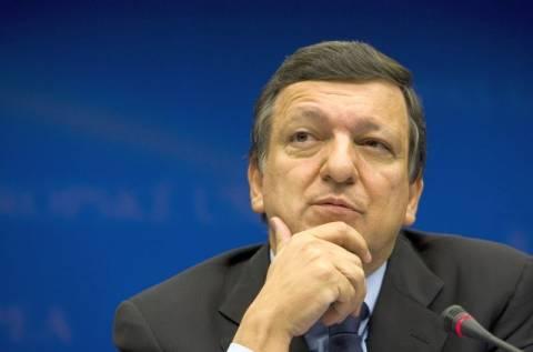 Κομισιόν: Οι μισθοί στην Ελλάδα να μειωθούν κατά 15%