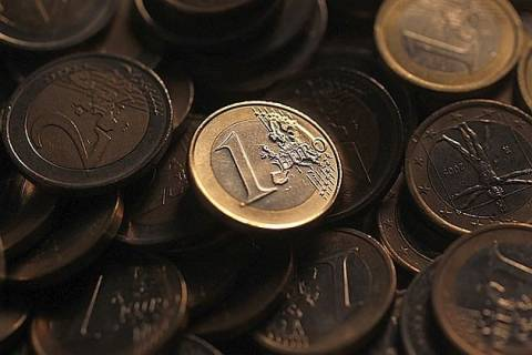 Focus: Καταρρέει το ευρώ στις 6 Μαΐου;