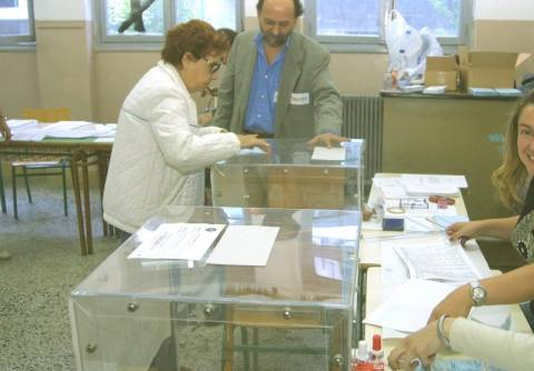 Εκλεγμένος με το ΠΑΣΟΚ, υποψήφιος της ΝΔ
