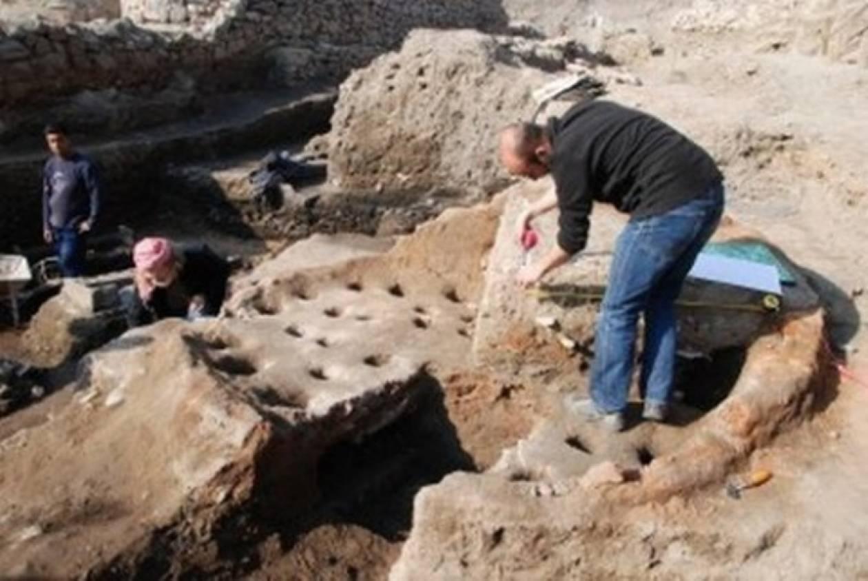 Παράσταση «ομαδικού σεξ» σε αρχαιοελληνικό αγγείο