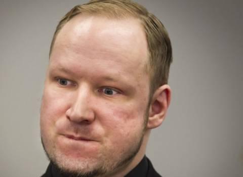 Προκαλεί ο Μπράιβικ: Δηλώνει πολιτικός ακτιβιστής