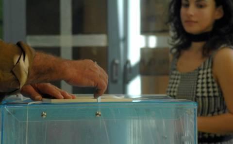 Τα 32 υποψήφια κόμματα στις εκλογές της 6ης Μαΐου