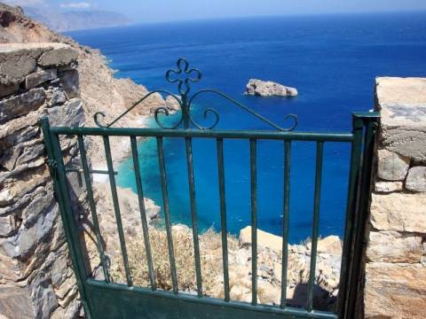 Die Welt: Οι Γερμανοί τουρίστες αποφεύγουν την Ελλάδα