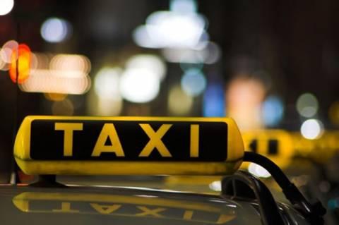 «Χειρόφρενο» τραβούν σήμερα τα ταξί