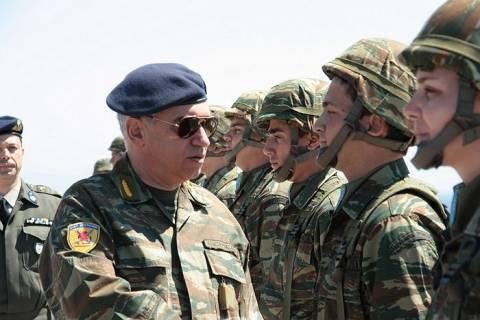 Ο αρχηγός ΓΕΕΘΑ στο twitter για το μισθολόγιο των στρατιωτικών