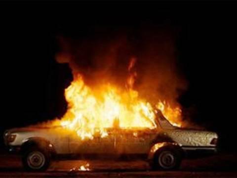 Στις φλόγες όχημα στα διόδια Ελευσίνας