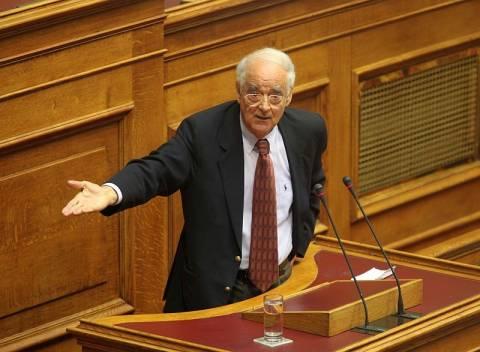 Απ. Κακλαμάνης: Ο Τσίπρας δεν έχει διαβάσει το Σύνταγμα