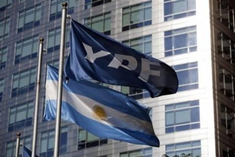 Κρατικοποιήθηκε η μεγαλύτερη εταιρεία πετρελαίου της Αργεντινής