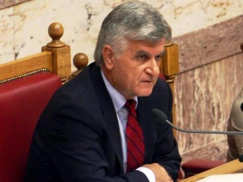 Φ. Πετσάλνικος: Η χώρα πρέπει να μείνει όρθια μέσα στην ευρωζώνη