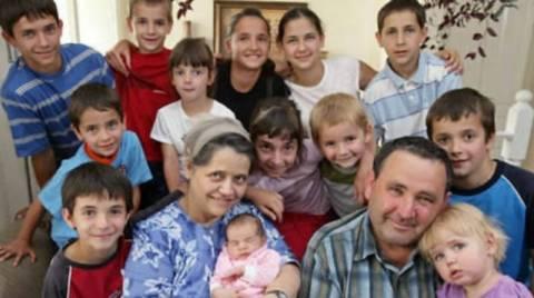 44χρονη «κουνέλα»:  Έχει 18 παιδιά!